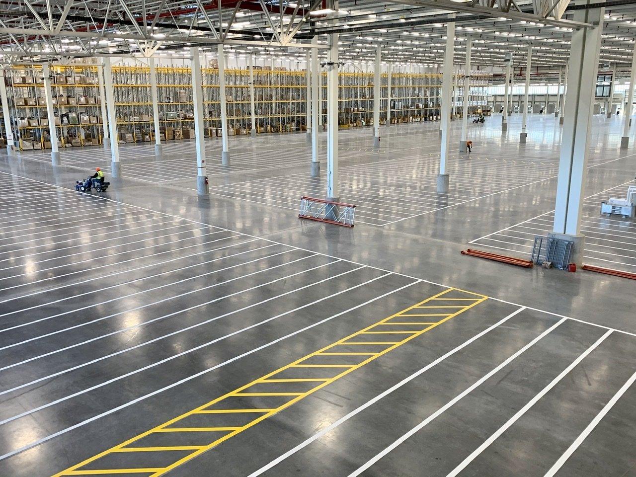 Warehouse floor line painting marking